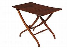 CIVIL WAR ERA CAMPAIGN TABLE - Folding Table in solid mahogany, with brass side-mounted hinges, pivoting lock block, shaped X-frame with molded stretchers, 28