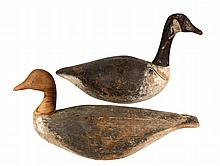 (2) EARLY GEESE DECOYS - Late 19th c. Canada Geese Working Decoys, in painted wood, unmarked. Roughly 26