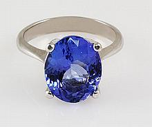 4.83 Carat Natural Tanzanite Oval Ring 14kt - L22405