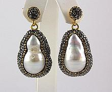 Victorian Vintage Mother of Pearl Earring - L22993