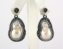Victorian Vintage Mother of Pearl Earring - L22992