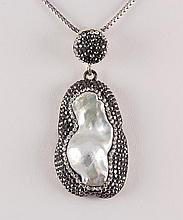 Victorian Vintage Mother of Pearl Pendant - L22980