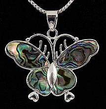 BUTTERFLY 8.16GRAMS MOTHER OF PEARL SILVER PENDANT - L19672