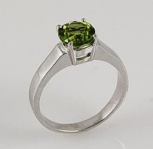 Sterling Silver Prong Set Ring with Peridot Gemstone - L23957