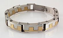 Men's Stainless Electroplated Bracelet 8 3/4 with Gold Ion Plating - L25139