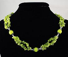 287.57CTW APPLE GREEN CHIPS NECKLACE W/ METAL LOCK - L22346