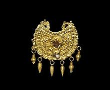 Islamic Safavid Gold Pendant