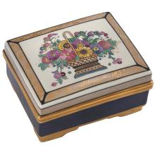 American Arts & Crafts Satsuma covered box 4.5