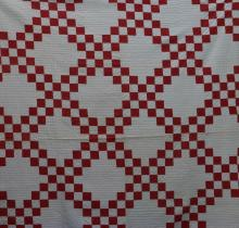 AMERICAN FIRST-HALF 20th-CENTURY INTERLOCKING SQUARE  OR JACOBS LADDER PATTERN QUILT