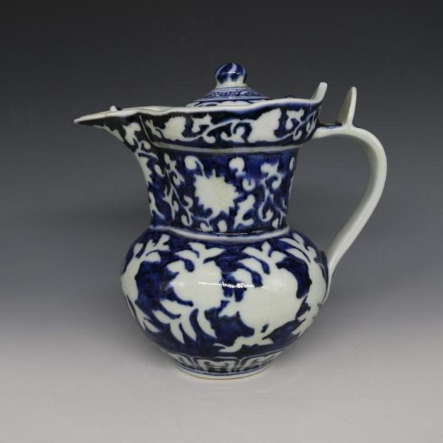 Chinese Ming Dynasty Blue & White Glazed Porcelain Pot with Lid