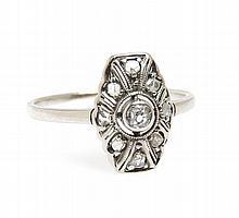 Ring with diamonds, Interwar Period