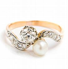 Ring with pearl and diamonds, France, Early 20th Century