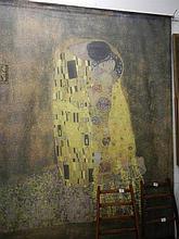 A wall hanginn of Gustav Klimt's 'The Kiss'