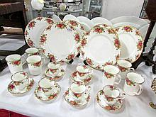 24 pieces of Royal Albert Old country roses tea and dinnerware