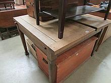 An oak draw leaf table