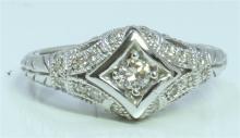 14K WHITE GOLD RING 4.46 GRAM DIAMOND 0.29CT CENTER DIAMOND 0.12CT
