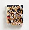 ARMAN (ARMAND FERNANDEZ) 1928 Nizza - 2005 New York Candy. 1970. Plexiglaskasten mit Puppenbeinen aus Marzipan in Gazeröckchen auf Holz. 33 x 27 x 8cm. Dazu das Zertifikat: Serigraphie auf Maschinenbütten. 59 x 36cm (62 x 44cm). Ex. 4/100. Signiert
