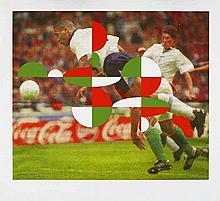 OROZCO, GABRIEL 1962 Xalapa Blindside Run. Aus: FIFA World Cup Brazil - Official Art Print Edition. 1996/2014. Pigmentdruck auf Japanese Watercolor Paper. 85,5 x 99,5cm (102 x 112cm). Signiert und nummeriert. contemporary editions, Berlin (Hrsg.).