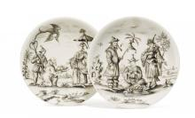 PAIR OF PORCELAIN SAUCERS WITH CHINOISERIES IN BLACK ENAMEL PAINTING
