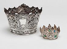 Twee zilveren Maria kroontjes