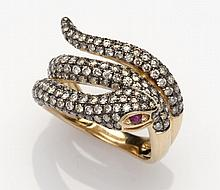 Een diamanten slangenring