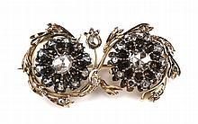 Een roosdiamanten broche