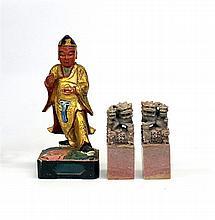Een Chinees houten sculptuur met twee spekstenen zegels