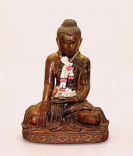 Houten boeddhasculptuur