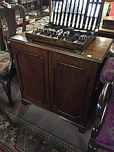Neat Georgian mahogany side cabinet.