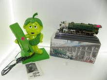2 PC LOT - JOLLY GREEN GIANT PHONE WITH MANUL & CRESCEN