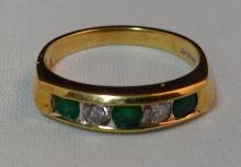 Jewelry. 18K Gold, Emerald,& Diamond Ring.  Sz. 6 ½