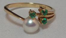 14k Yellow Gold, Pearl & Emerald Ring. Size 7