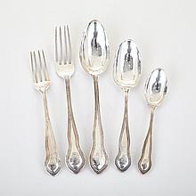 Colonial Silver Thread Pattern Flatware Service, 19th century (47 Pieces)