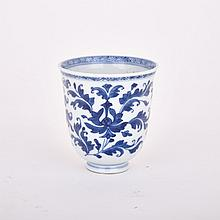 Export BLUE AND WHITE TEA CUP, KANGXI PERIOD (1662-1722), height 3.4