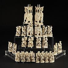 Indian Carved Ivory Figural Chess Set, Rajasthan, 19th century, height 6