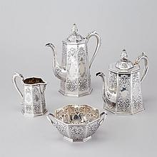 Victorian Silver Tea and Coffee Service, Robert Hennell IV, London, 1874, largest height 10.6