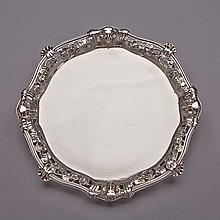 George II Silver Shaped Circular Salver, Edward Wakelin, London, 1746, diameter 9.3