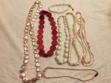 Jewelry lot - 1 Trifari item included