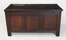 AN ENGLISH OAK CHEST, LATE 17TH/EARLY 18TH CENTURY the hinged panelled rect