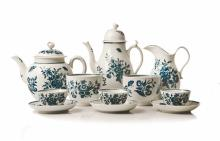 A ROYAL WORCESTER ?THREE FLOWERS? PATTERN PART TEA SERVICE, FIRST PERIOD, L