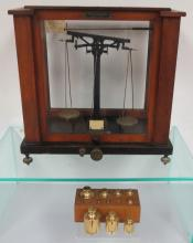 ANTIQUE CASED BALANCE SCALE: