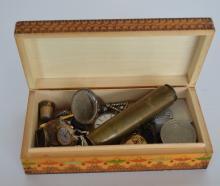 A box of costume jewellery. Est. £20 - £30.