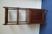 A mahogany whatnot with turned supports. Est. £60