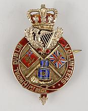 1910: 1st Regiment Royal Dublin Volunteers presentation badge