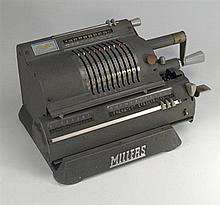 1923-27 Addo Multo mechanical calculator Model 13