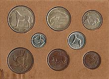 Halfcrown to farthing 1928 mint set in official cardboard case.
