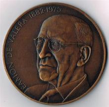 1975 De Valera Bronze Commemorative Medal by Spink.