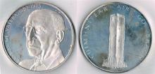 1975 Eamon de Valera and 1988 Dublin Millennium commemorative silver medals.