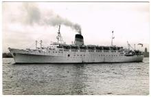 Picture postcards: a large collection of ships in albums, 1920s to 1970s, mainly company issues. (1,600+)
