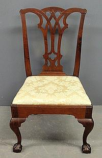 Philadelphia Chippendale walnut side chair, c.1780, with pierced gothic splat, slip seat, cabriole legs and ball & claw feet. 38